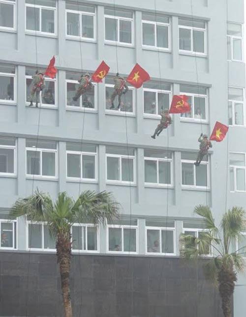 Những tuyệt kỹ võ thuật của đặc công Việt Nam - 15