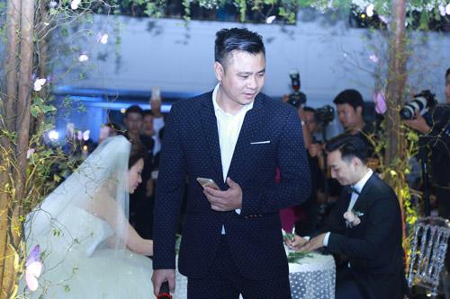 """Xuân Bắc, Tự Long """"náo loạn"""" tiệc cưới của MC Thành Trung - 3"""