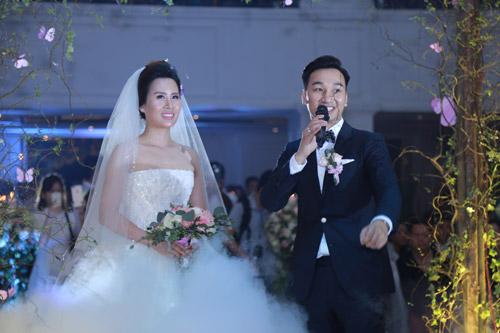 """Xuân Bắc, Tự Long """"náo loạn"""" tiệc cưới của MC Thành Trung - 1"""