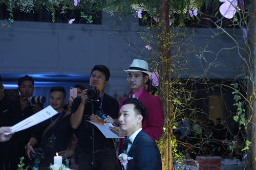 """Xuân Bắc, Tự Long """"náo loạn"""" tiệc cưới của MC Thành Trung - 4"""