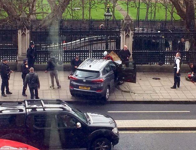 Tấn công khủng bố đẫm máu chấn động thủ đô Anh - 5