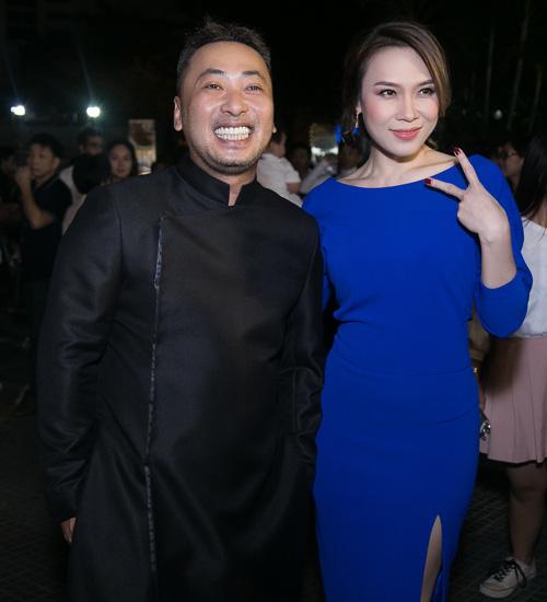 """Clip Mỹ Tâm say sưa hát theo Hoài Linh """"Dạ cổ hoài lang"""" - 1"""
