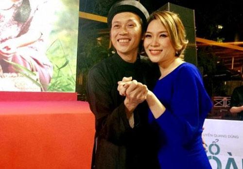 """Clip Mỹ Tâm say sưa hát theo Hoài Linh """"Dạ cổ hoài lang"""" - 2"""