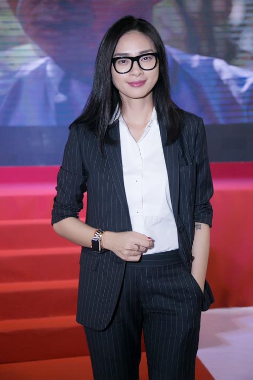 """Clip Mỹ Tâm say sưa hát theo Hoài Linh """"Dạ cổ hoài lang"""" - 4"""