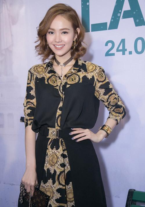 """Clip Mỹ Tâm say sưa hát theo Hoài Linh """"Dạ cổ hoài lang"""" - 8"""