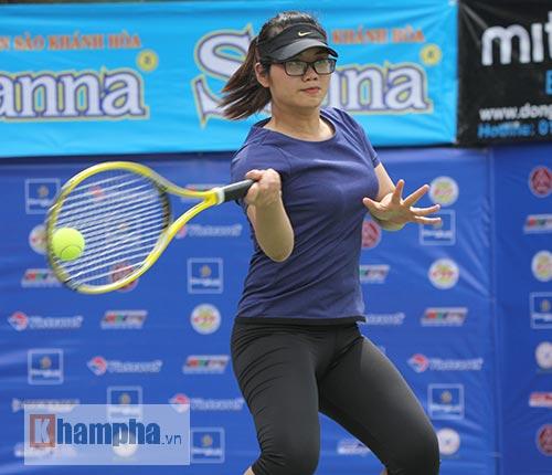 Đồng nghiệp Sharapova khoe sắc ở giải tennis quốc gia - 5