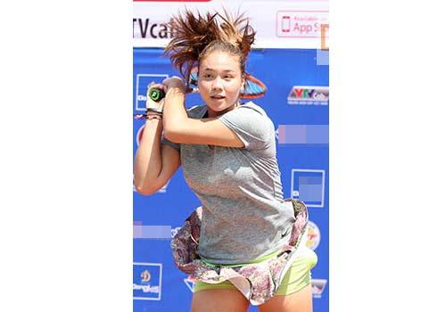 Đồng nghiệp Sharapova khoe sắc ở giải tennis quốc gia - 9
