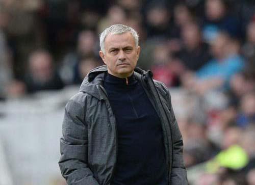 Chuyển nhượng MU: Mourinho gặp khó vụ Mesut Ozil - 2