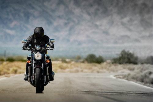 Top 10 nguy hiểm nhất lái xe môtô cần tránh (P2) - 2