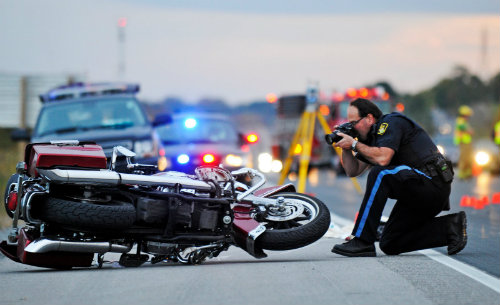 Top 10 nguy hiểm nhất lái xe môtô cần tránh (P2) - 1