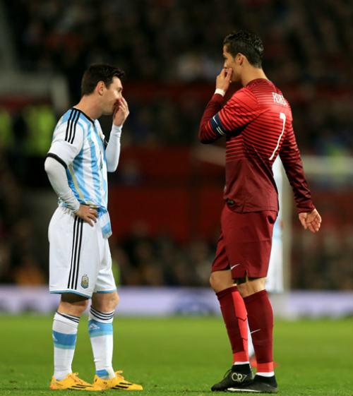 """Hiến kế cứu Messi – Ronaldo: Một người khỏe, """"cả làng"""" vui - 1"""