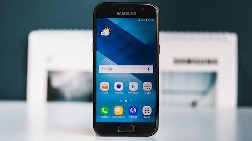 """Samsung Galaxy A3 """"lên kệ"""": Giá rẻ nhất trong dòng A (2017) - 1"""