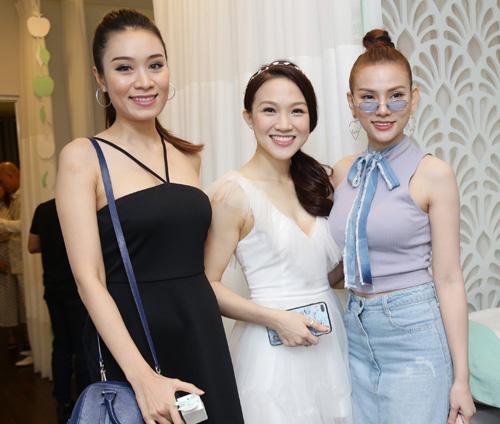 Con gái Phan Đinh Tùng xinh như công chúa hút mọi chú ý - 9