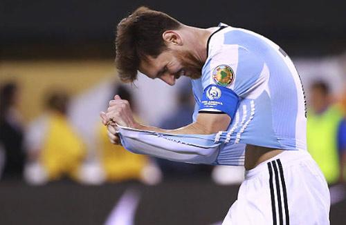 Messi chạm nỗi đau cũ: Lại bỏ ĐT Argentina nếu thua Chile? - 1