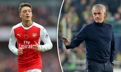 Chuyển nhượng MU: Mourinho gặp khó vụ Mesut Ozil - 1