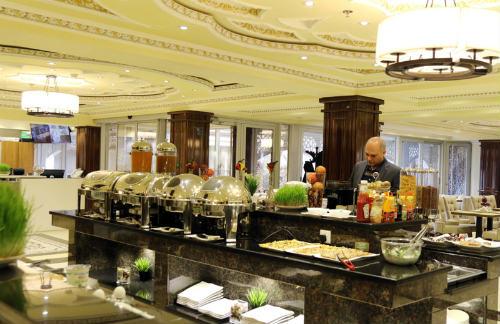 Đội tuyển Việt Nam: Ăn ở khách sạn 4 sao, đòi hỏi gì nữa? - 6