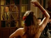Phim - Phim về cô hầu táo bạo hút hồn gã trung niên khiến khán giả bối rối
