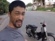 """Johnny Trí Nguyễn """"khoe"""" Honda Cub đời 1979 độ công phu"""