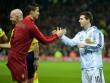"""Hiến kế cứu Messi – Ronaldo: Một người khỏe, """"cả làng"""" vui"""