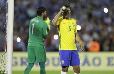 Chi tiết Uruguay – Brazil: Paulinho thăng hoa (KT) - 4
