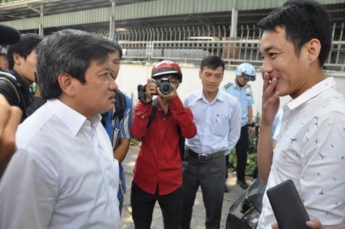 """Ông Hải quyết dỡ mái che """"khủng"""" của tòa nhà Saigon Centre chiếm vỉa hè - 9"""