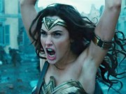 """Phim - """"Wonder Woman"""" gây tranh cãi vì... vùng nách quá trắng"""