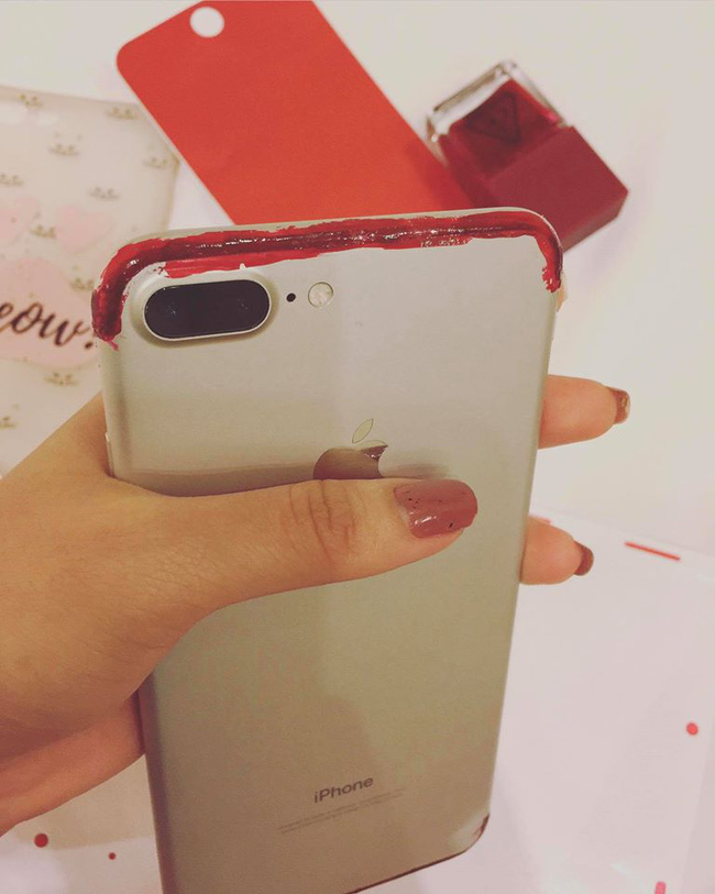 Xa thiếu gia Phan Thành, Thúy Vi làm thế này để có iPhone7 đỏ - 2