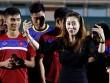 Người đẹp Hàn Quốc váy ngắn khiến U20 Việt Nam choáng ngợp