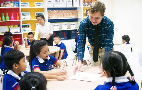 Trải nghiệm giáo dục chuẩn mỹ trong buổi học tiếng anh theo mô hình English+²¹ - 1