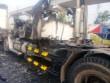 Xe container phát hỏa trên xa lộ, 2 người thoát chết trong tích tắc