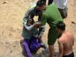 Người mẹ ngây dại khi con trai 11 tuổi mất tích dưới sông SG