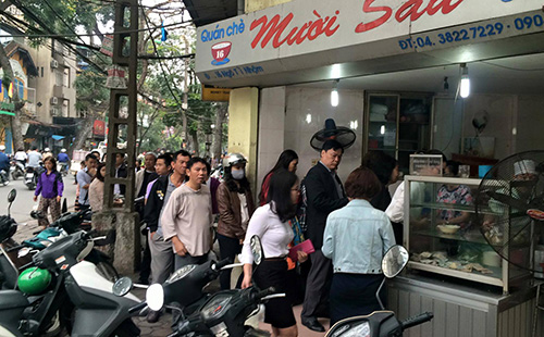 Dân Thủ đô xếp hàng mua bánh trôi, bánh chay ngày Tết Hàn Thực - 14