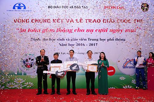 """Tổng kết và trao giải cuộc thi """"An toàn giao thông cho nụ cười ngày mai"""" - 5"""