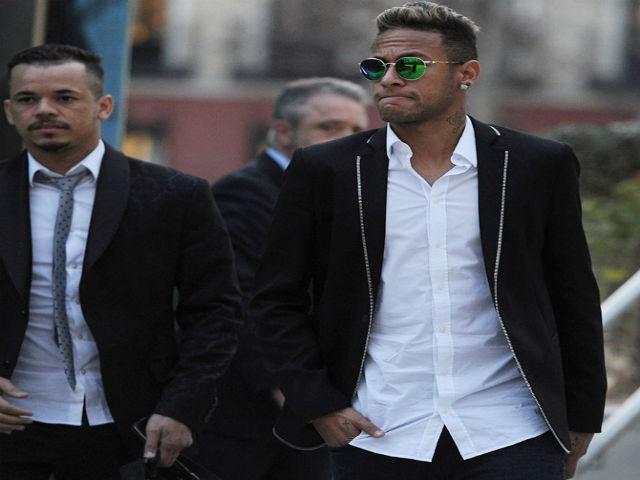 """Real lại """"mưu hèn kế bẩn"""" với Barca: Neymar nguy cơ tù 5 năm"""