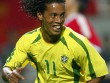 """Ronaldinho khiến các fan """"ngã ngửa"""" khi trổ tài ca hát"""