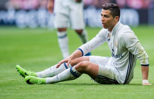 Ronaldo tốc độ tụt dốc, Real chi 106 triệu bảng thay thế - 1