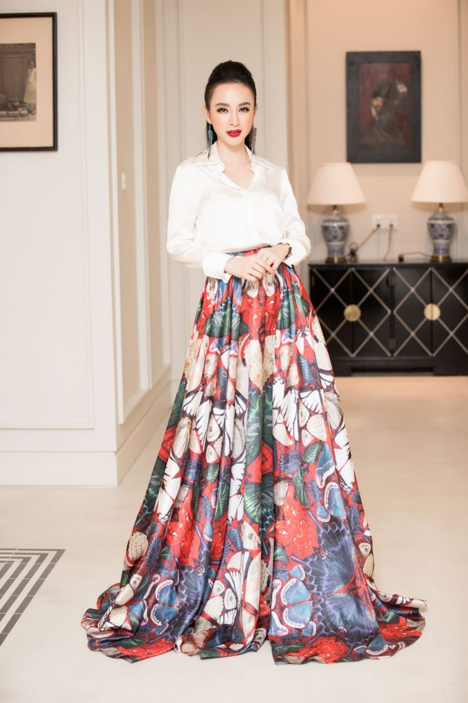 Angela Phương Trinh bất ngờ diện trang phủ phục kín đáo đấyn năm mới tại Đà Nẵng - 4