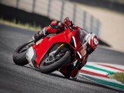 2018 Ducati Panigale V4 xưng vương làng siêu môtô 2017