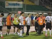 Trò hề  CLB Long An chấn động thế giới xấu xí nhất bóng đá Việt 2017