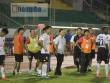 """""""Trò hề"""" CLB Long An chấn động thế giới xấu xí nhất bóng đá Việt 2017"""