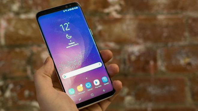 """Top 11 smartphone mới làm """"nóng"""" làng công nghệ 2018 (P2) - 2"""