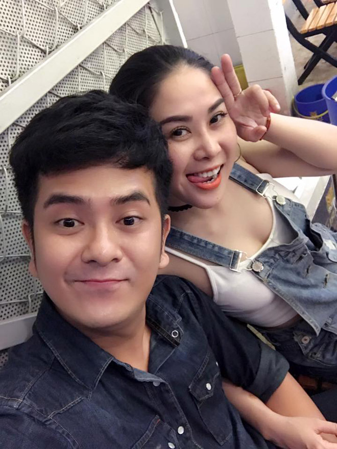 Bạn gái DJ hạng Hùng Thuận khoe khoang chân nõn nà - 1