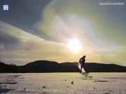 Thế giới - Canada: Hất xô nước sôi lên trời, đóng băng toàn bộ ngay lập tức