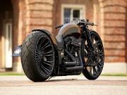 """Harley Davidson độ sang chảnh  """" hớp hồn """"  giới nhà giàu"""