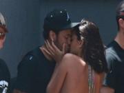 """Tay chơi Neymar sa  """" lưới tình """" : Vô tư diễn cảnh nóng trên biển"""