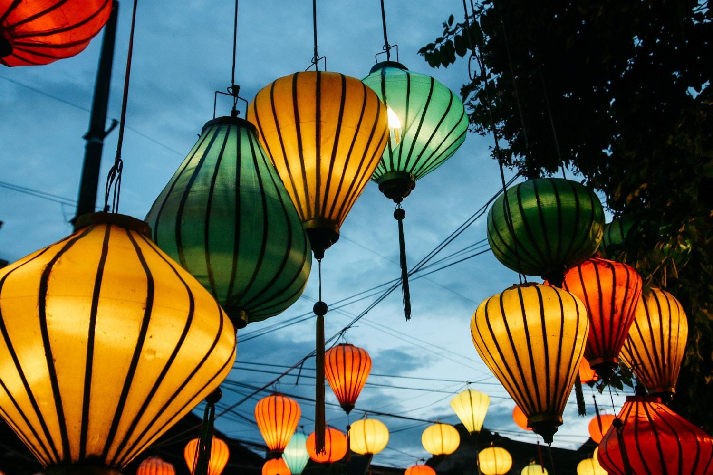 """""""Nức lòng"""" nghề làm đèn lồng ở phố cổ Hội An được báo Tây khen hết lời - 12"""
