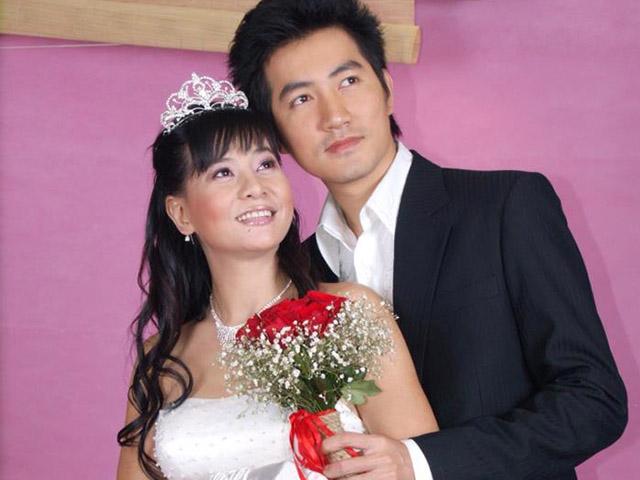 """Quản lý tiết lộ Nguyễn Phi Hùng suốt 20 năm yêu ai đều """"bị đá"""""""