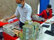 Tài chính - Bất động sản - Ngân hàng đổi cách tính lãi: Người gửi tiền bị thiệt?