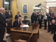 """Những bí mật  """" động trời """"  được tiết lộ trong cuốn sách Nhà Trắng của ông Trump"""