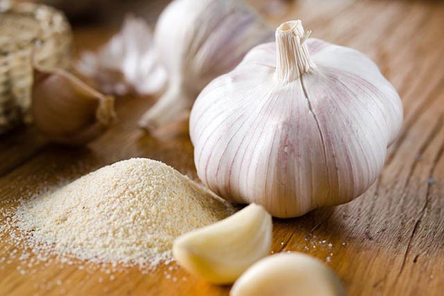 10 tác dụng diệu kỳ của muối tỏi - 1